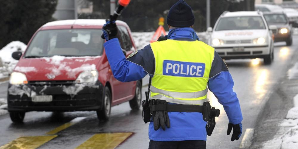 POLICIER POLICIERS POLIZEI